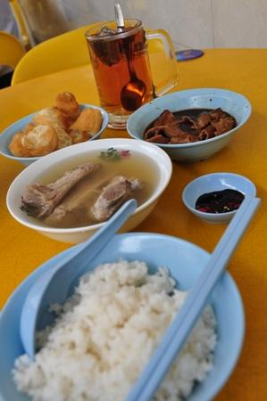 Value Hotel Balestier: Our bak kut teh breakfast, a stone's throw away from the hotel.