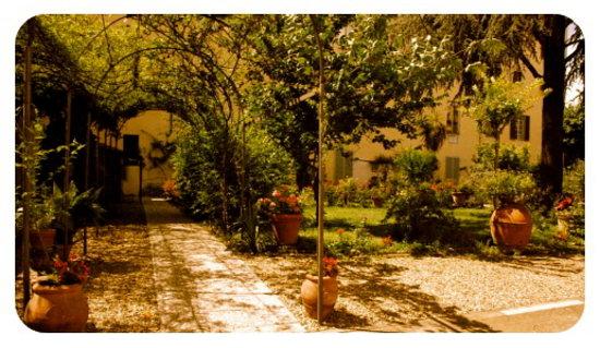 Sanctuary Firenze: Sanctuary B&B Firenze Grounds