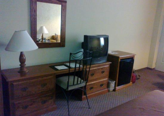 Torreon, Meksika: Centro de trabajo, minibar y televisión