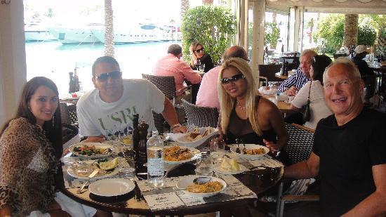 Godfather`s restaurant: GF BEACH HOUSE DINER