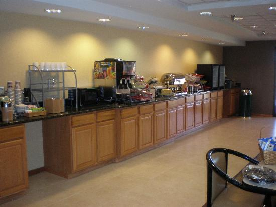 Wingate by Wyndham Pueblo : Newly Expanded Dining Room