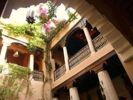 Riad Armelle: Riad vue du bas