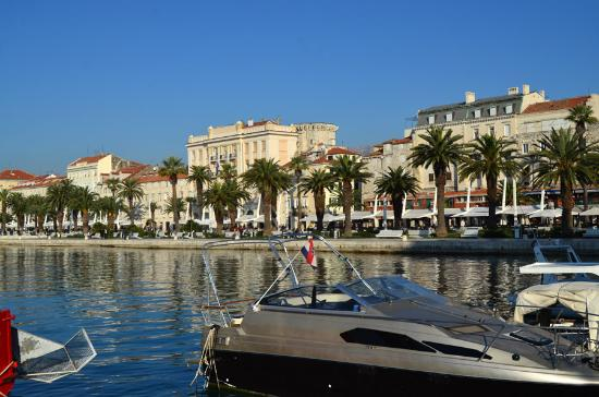 Hostel Antonio: The Split Waterfront