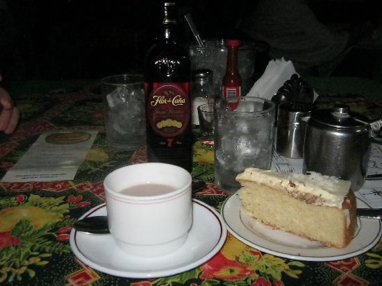 Selva Negra Mountain Resort: cake and coffee