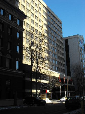 Residence Inn Ottawa Downtown: Front of Hotel