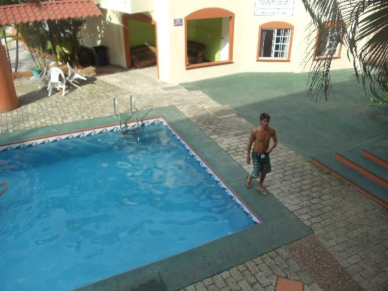 Hotel La Quinta Exxpres: La pileta