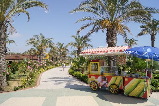 Long Beach Resort Hotel & Spa: Til stranden