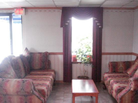 Stateline Inn Hagerstown: Lobby Sitting