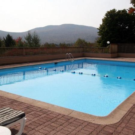 Notch Brook Condominiums: Notch Brook Pool