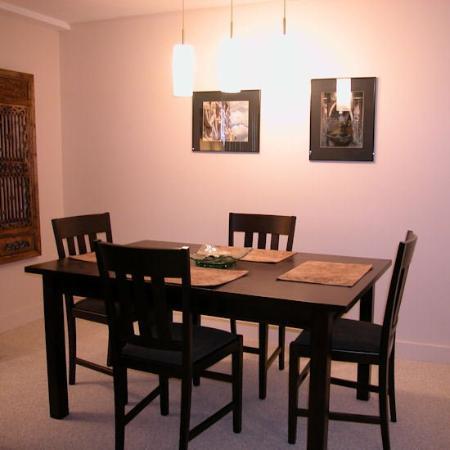 Notch Brook Condominiums : Dining