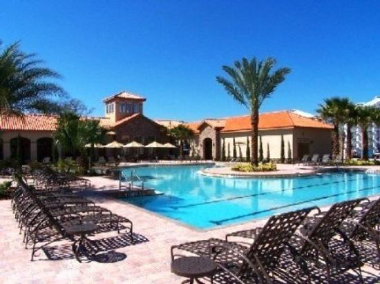 Tuscana Resort Orlando by Aston: Clubhouse