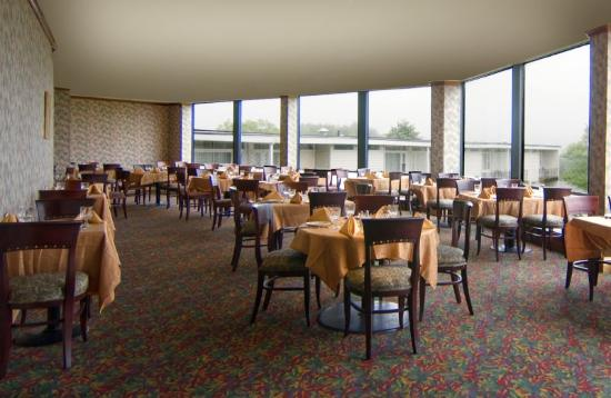 view dining picture of hudson valley resort and spa. Black Bedroom Furniture Sets. Home Design Ideas
