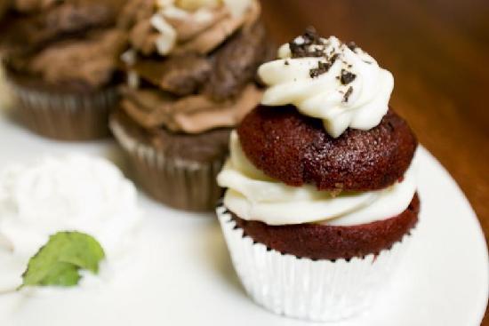 The Metropolitan: Cupcake Sampler