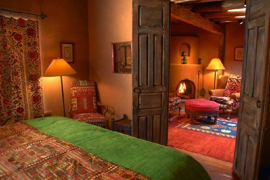Inn of the Five Graces: Intimate Bedroom