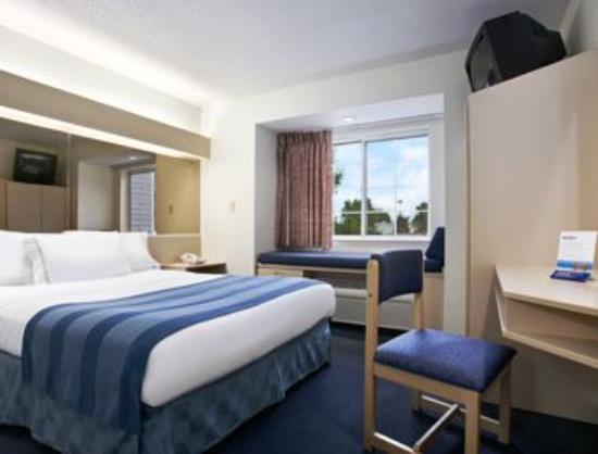 Microtel Inn & Suites by Wyndham Clear Lake: Standard Queen Bed Room