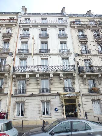 Hotel du Square d'Anvers: exterior