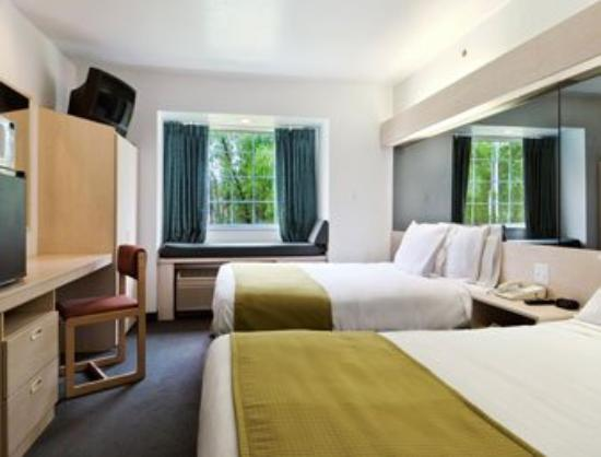 Idabel Inn : Standard Two Queen Bed Room