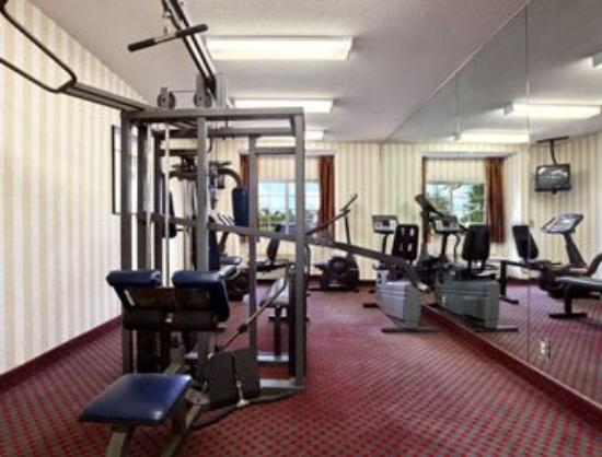 Microtel Inn & Suites by Wyndham Raleigh: Fitness Center
