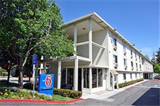 Motel 6 Palo Alto: Exterior