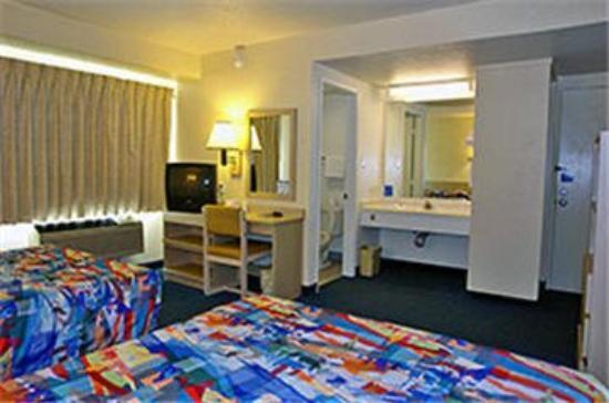 Motel 6 Palo Alto: Room Interior