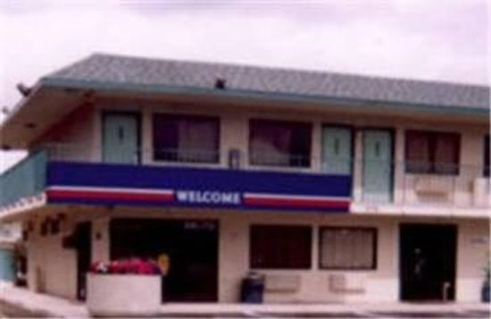 Motel 6 Grants Pass: Exterior