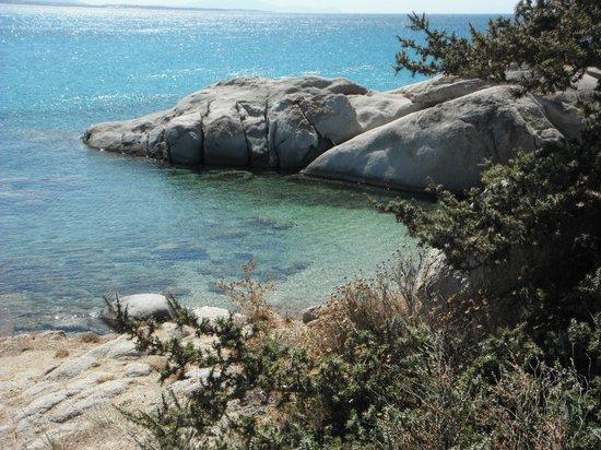 Mikri Vigla, اليونان: Piccole calette, ci si arriva scalando le rocce