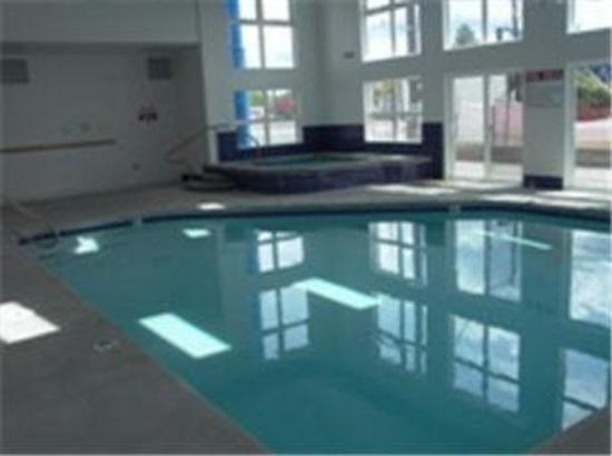 Motel 6 Clarkston: Indoor Pool