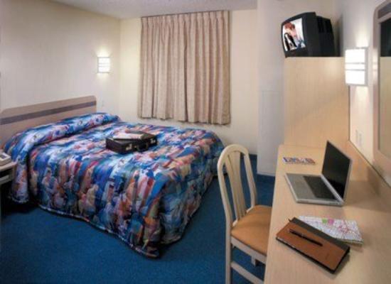 Knights Inn Mesa AZ: Renovated Bed Resized