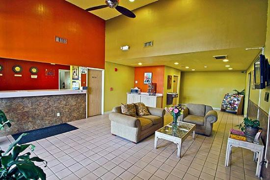 Motel 6 Winslow: Lobby