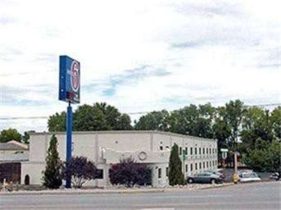 Motel 6 Espanola: Exterior