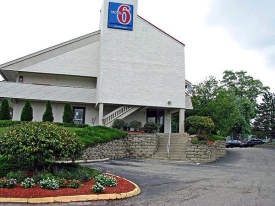 Motel 6 Cincinnati Central-Norwood: Exterior