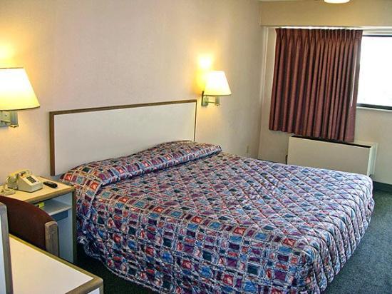 Motel 6 Akron: MSingle