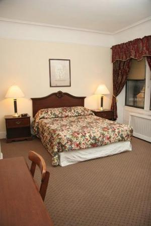Imperial Court Hotel : Guest Room