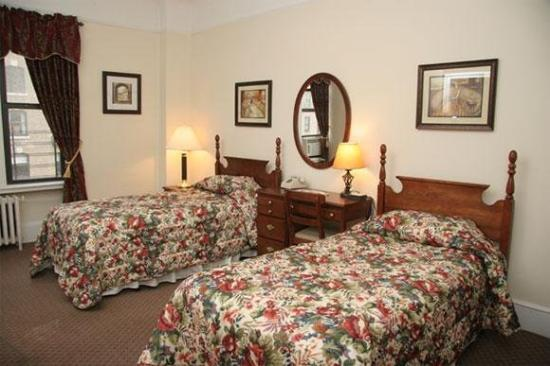 Imperial Court Hotel: Guest Room