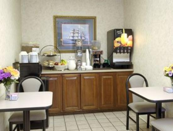 Super 8 Tifton: Breakfast Area