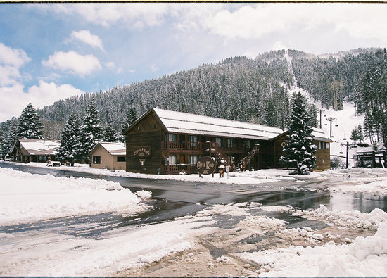 Copper King Lodge: The Copper King is adjacent to the Copper Chair Lift!