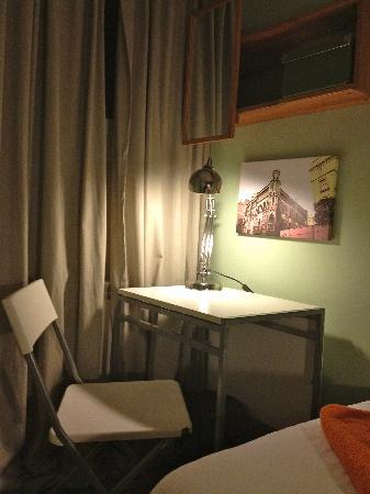Padilla Guest House: Casa Vicens Room