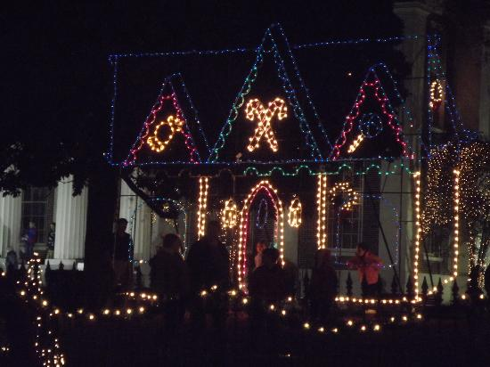 Canton, MS: Christmas lights