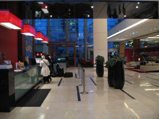 Hilton Warsaw Hotel & Convention Centre : La grande reception