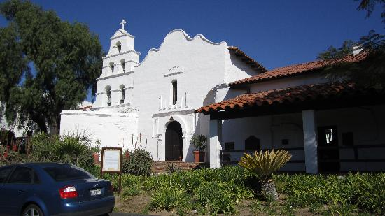 Mission San Diego de Alcala : Front of mission