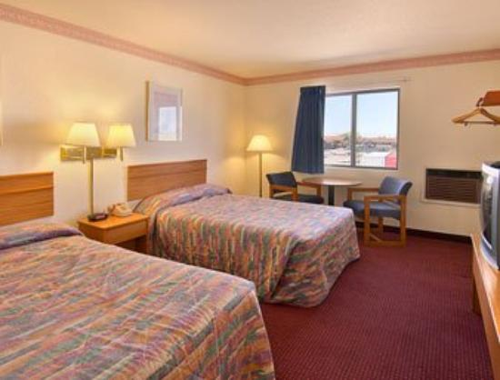 Lordsburg Super 8 Motel: Standard Two Double Bed Room