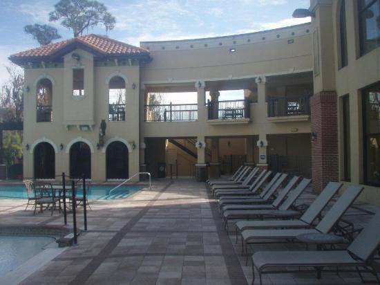 Beacon Deli & Portside Pub : pool area