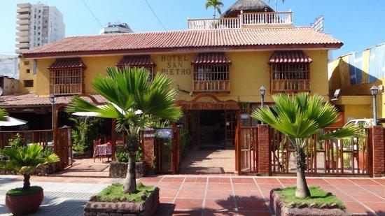 San Pietro Hotel: Fachada