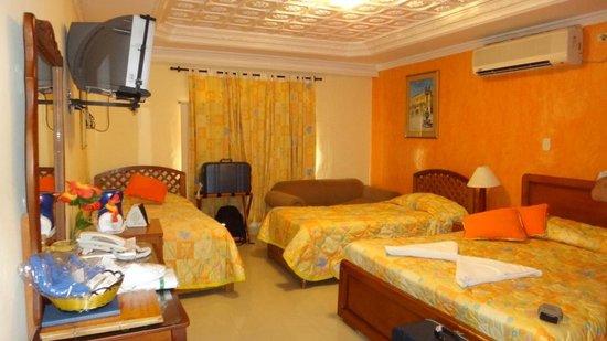 San Pietro Hotel: Habitacion
