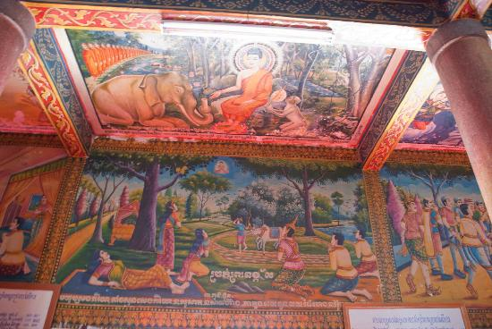 Amazing paintings in Wat Langka