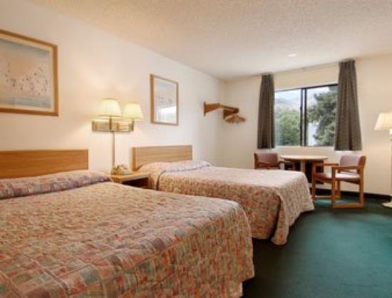 Manitou Inn & Suites at Pikes Peak