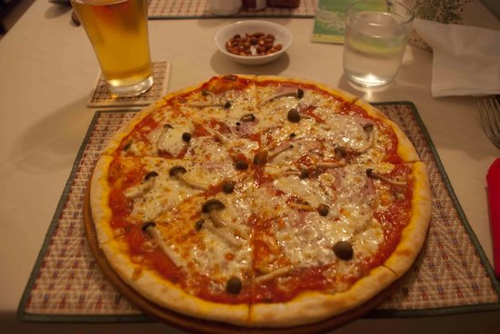 My Home Restaurant : What a pizza at My Home!