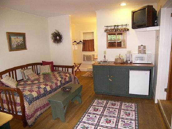 The Country Inn at Camden / Rockport: 2 Queen Cottage With Trundle Bed