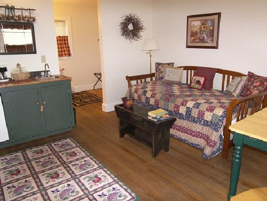 The Country Inn at Camden / Rockport: 2 Queen Pet Cottage With Trundle Bed