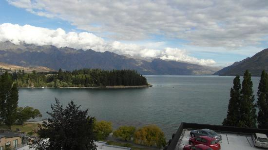 Rydges Lakeland Resort Hotel Queenstown: Lake Wakatipu from The Rydges